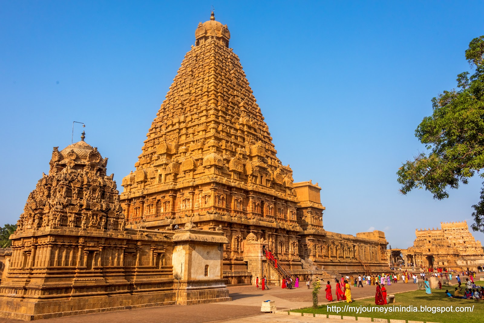Thanjavur Brihadeeswarar Temple Full View
