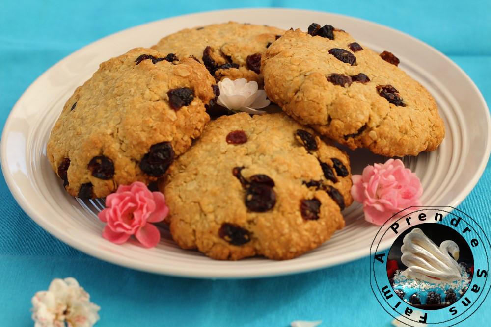 Cookies géants avoine, canneberges et raisins secs