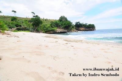 Pantai Wedi Putih Tulungagung
