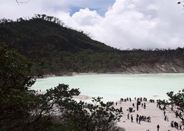 Tempat Wisata Alam Kawah Putih Ciwidey Bandung