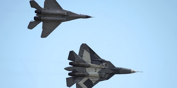 H Ρωσία «αφεντικό» στην Μέση Ανατολή: Η Αίγυπτος επιτρέπει την χρήση των αεροδρομίων της από τα ρωσικά μαχητικά!
