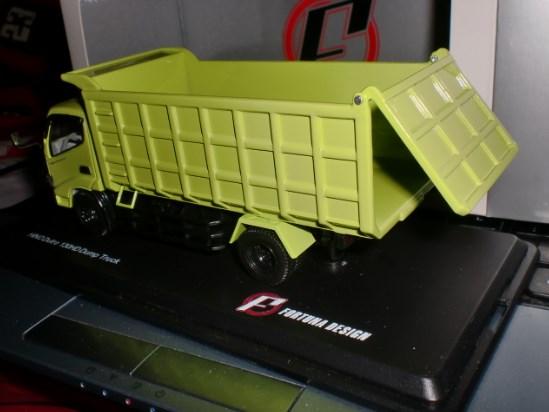 miniatur dump truk hino lohan