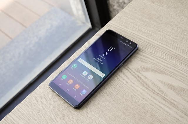 Galaxy A8 Star vs Poco F1 vs Asus Zenfone 5Z vs OnePlus 6