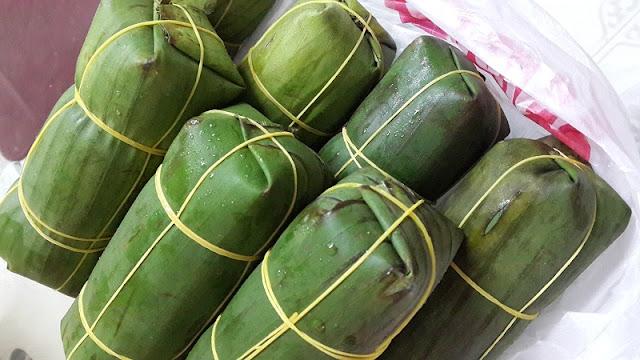 Nem chua - Vietnamese fermented pork roll 4