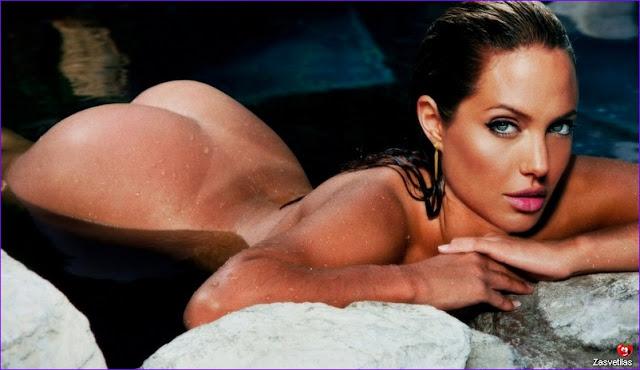 Анджелина Джоли голая попка