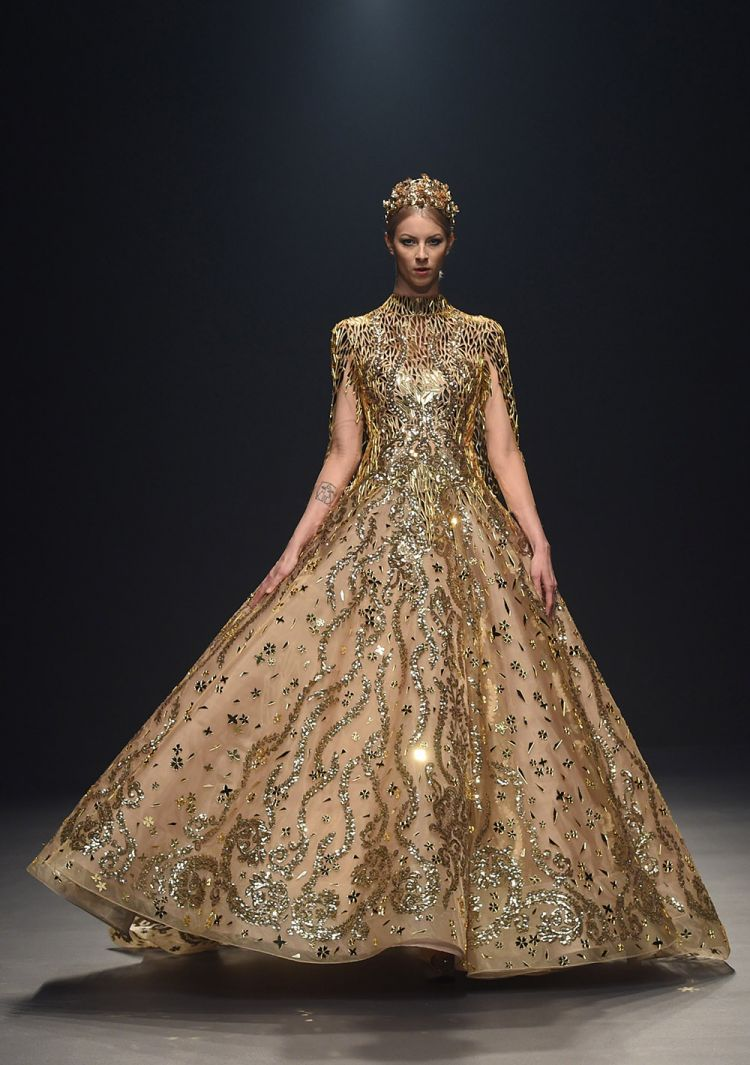 Atelier zuhra couture spring summer 2018 fashion for Couture atelier