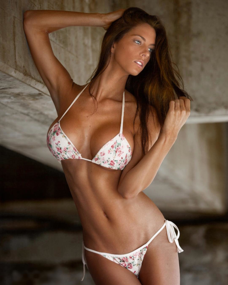 personal trainer Fitness Model Janna Breslin