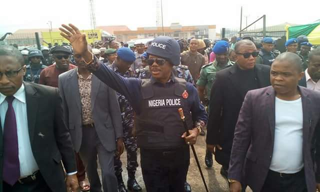 Photos: Governor Willie Obiano steps out fully-kitted in Police uniform