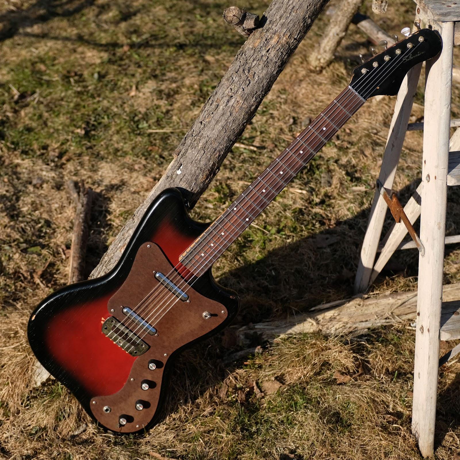 1967 danelectro made silvertone 1452 hornet electric guitar [ 1600 x 1600 Pixel ]