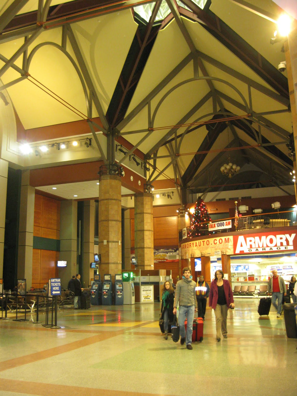 tiger train station surprises - HD1200×1600