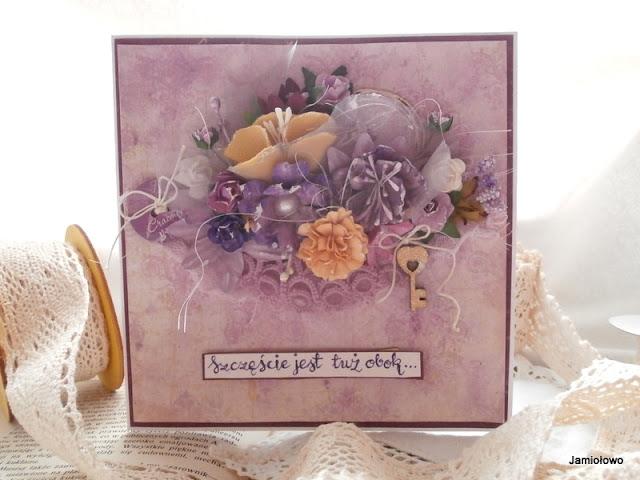 wiosenne kwiaty z papieru i tiulu na kartce