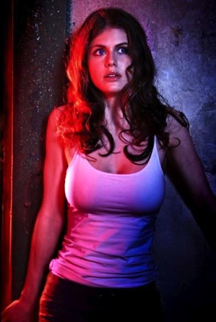 Alexandra-Daddario-Top-Picture-Ever