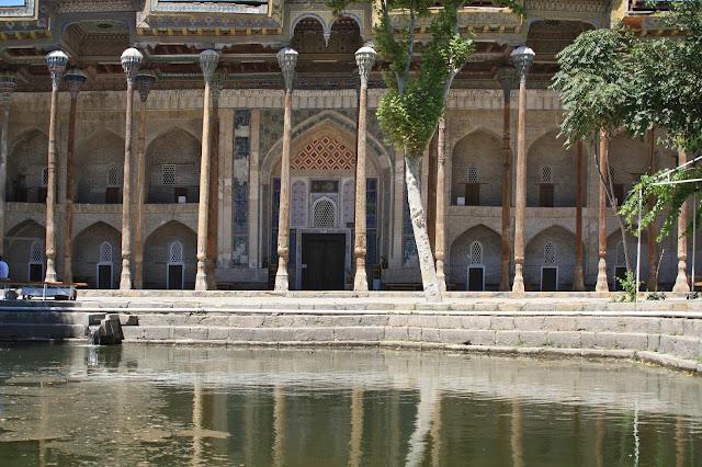 Ouzbékistan, Boukhara, mosquée, Bolo Hauz, © L. Gigout, 2010
