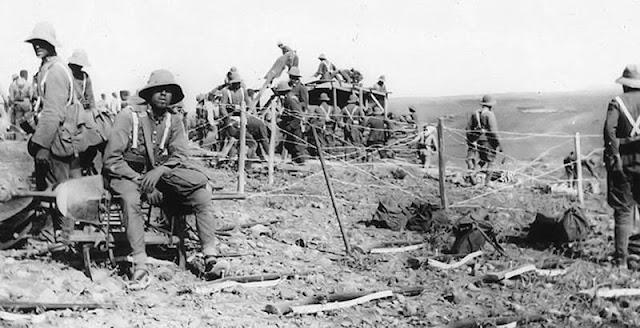 Los cantineros/as no dudaban en compartir con los soldados la primera línea de fuego.