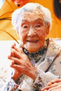 Japonesa de más de 100 años