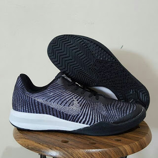 Nike Zoom Kobe Mentality 2 Black Premium