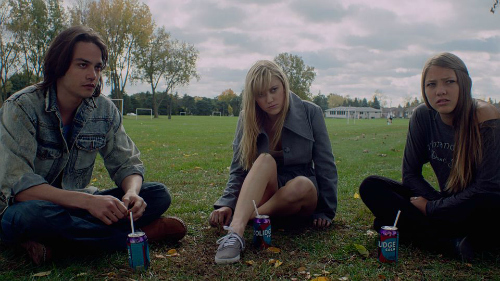 it-follows-2014-horror-movie-halloweenie
