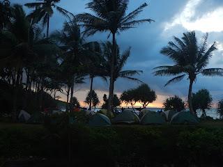 camping di pantai madasari