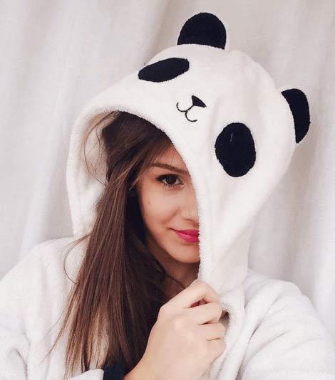 cute girl hiding face dp
