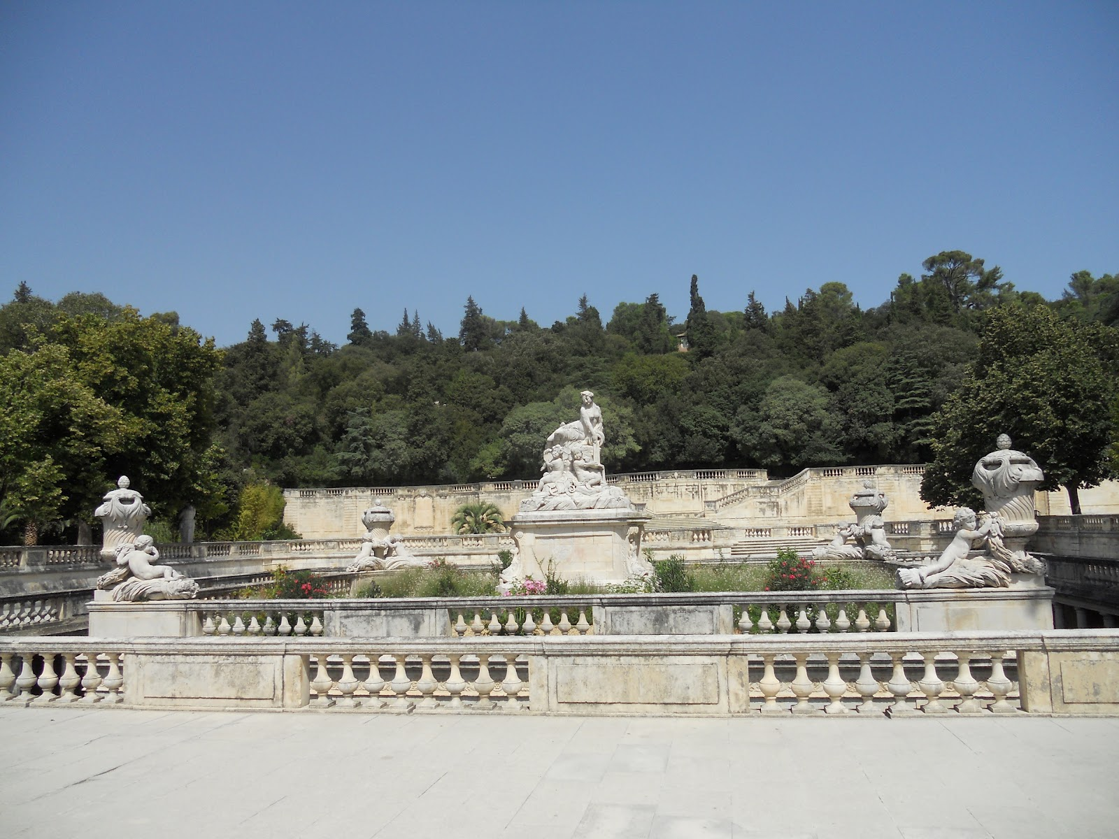 nimes jardins de la fontaine