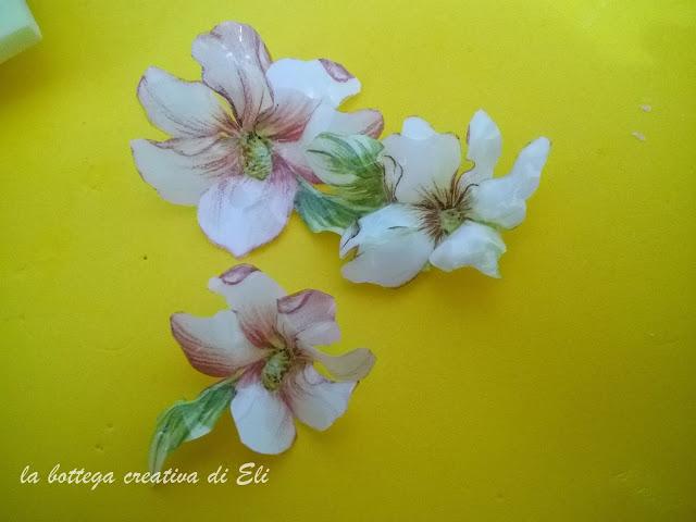 modellazione-fiori-sospeso-trasparente