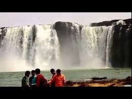chitrakoot falls view by boat