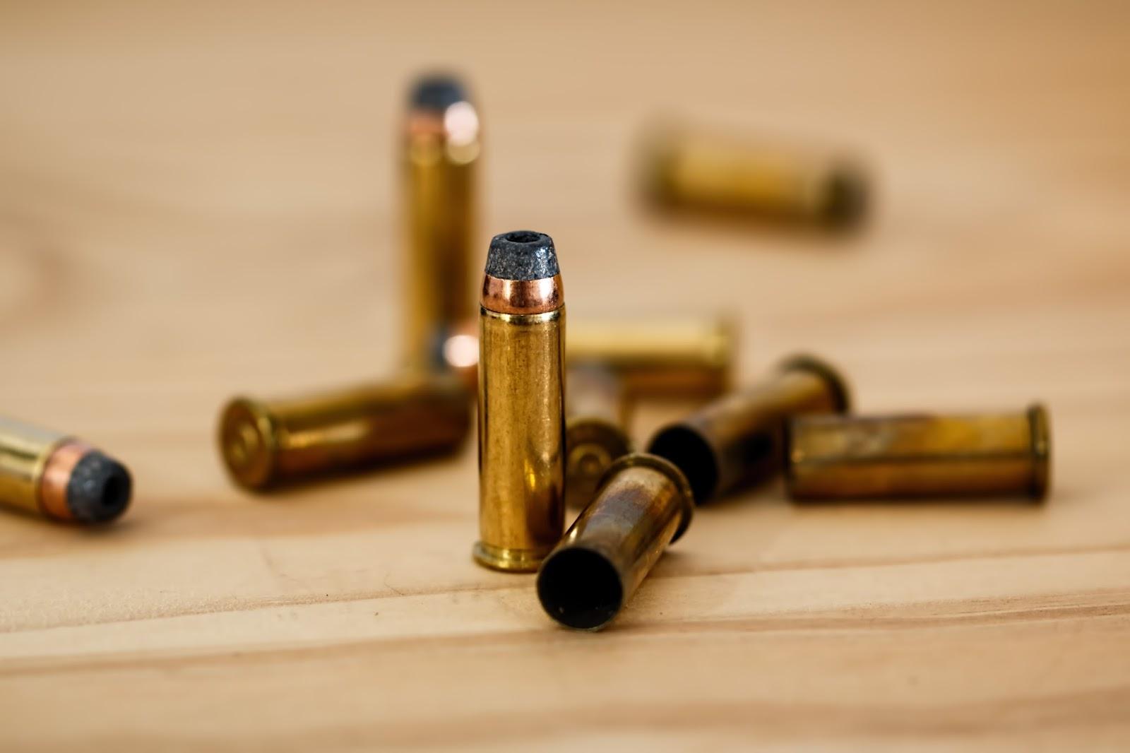 Nie dawaj dziennikarzowi pistoletu z ostrą amunicją