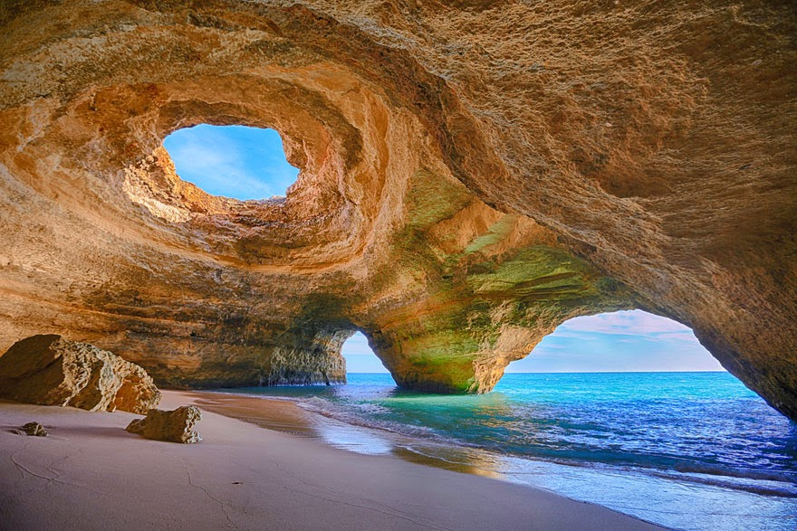27. Cave in Algarve, Portugal - 29 Unbelievable Locations That Look Like They're Located On Another Planet