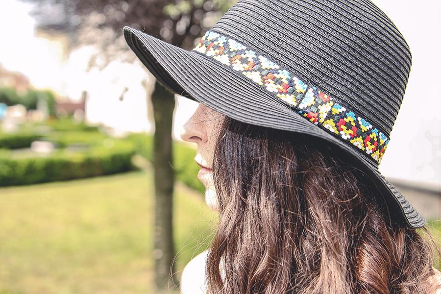 crop top, hat