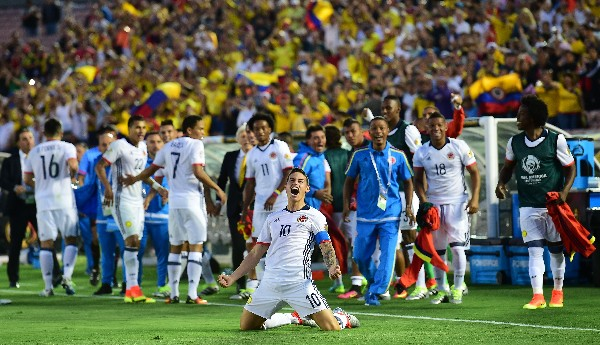 Colombia gana 2-1 a Paraguay