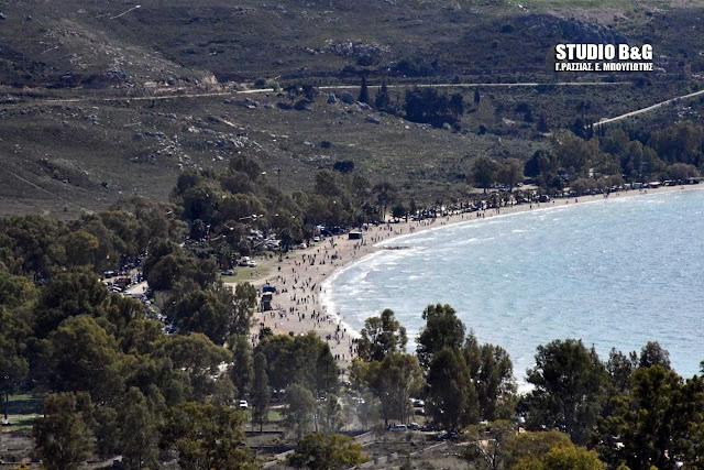 Κούλουμα στην παραλία Καραθώνας στο Ναύπλιο