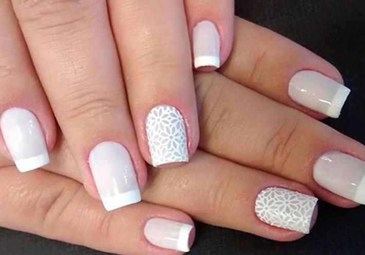 Como pintar as unhas com tons claros sem manchar