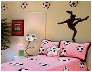 girls soccer bedroom ideas - football dorm decor - bedroom