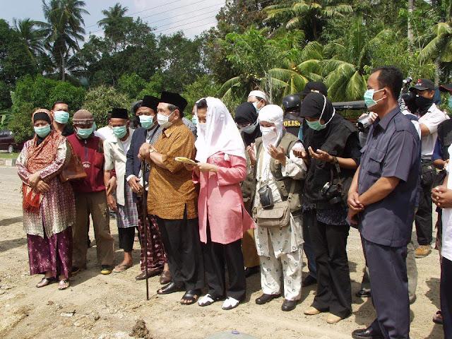 Sebelum di Doakan Gus Dur, Kuburan Masal Korban Tsunami ini Tiap Malam Terdengar Suara Tangis