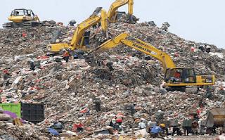 Puisi Kritik Sosial Untuk Menjaga Kebersihan Lingkungan Dari Permasalahan Sampah