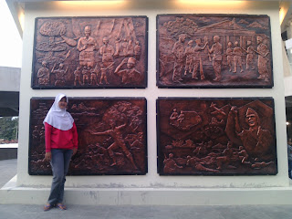 monumen perjuangan gunung lengis, satdion gelora joko samudro (GJS) Gresik