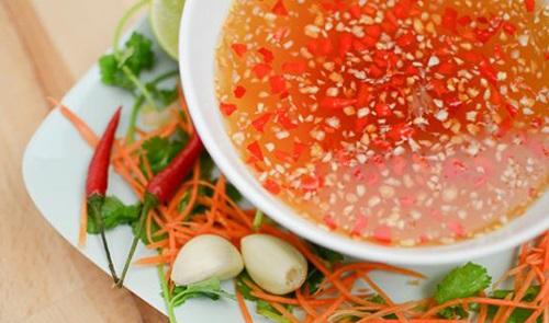 Bí quyết pha các loại nước chấm cực ngon cho món ăn thêm đậm vị