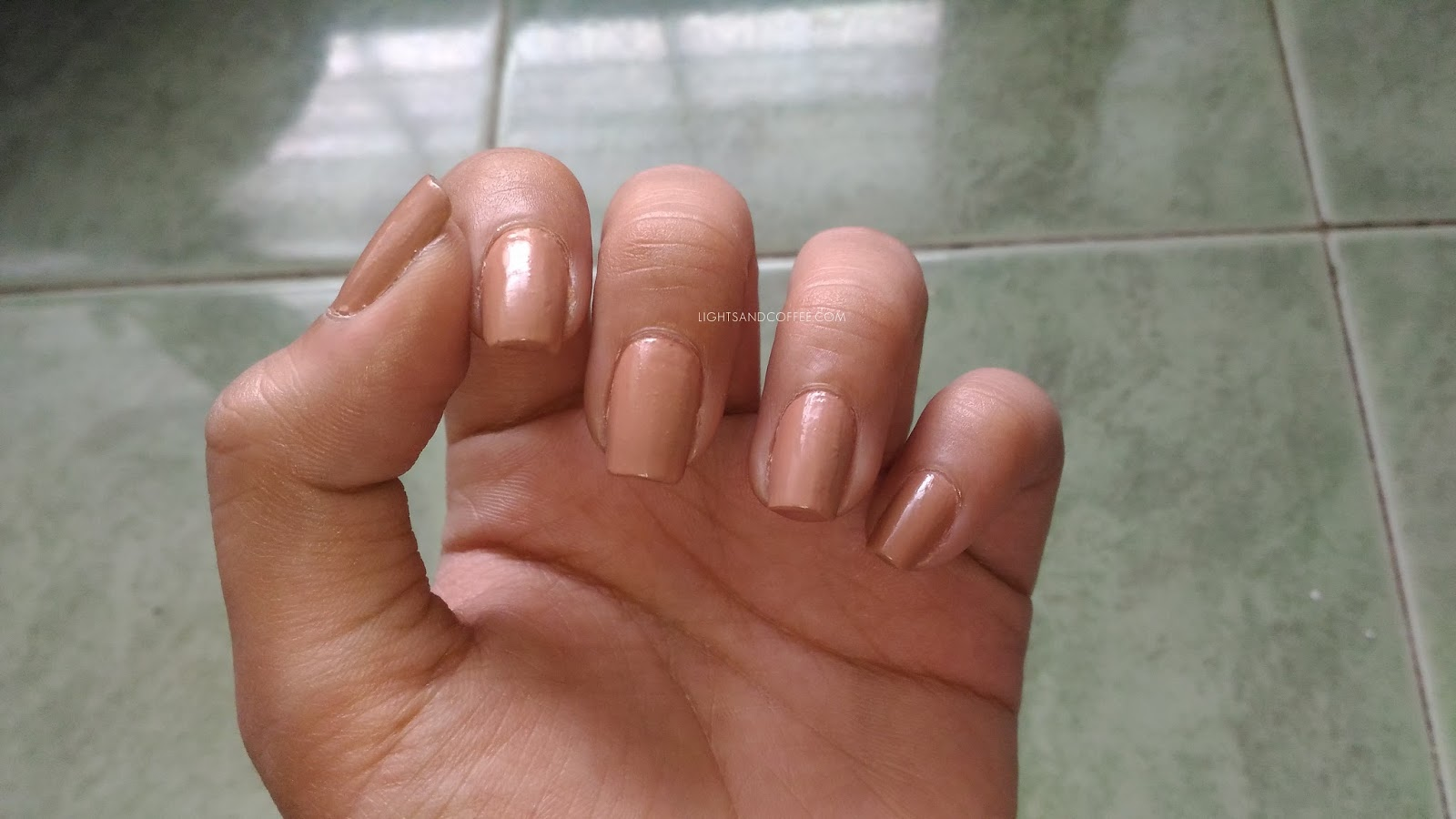 Nails with Gel Look Top Coat Natural Lightning
