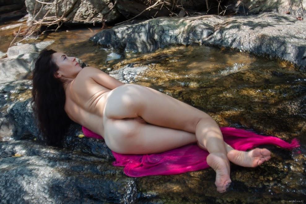 [EroticBeauty] Madivya - On The Blanket 3801856047