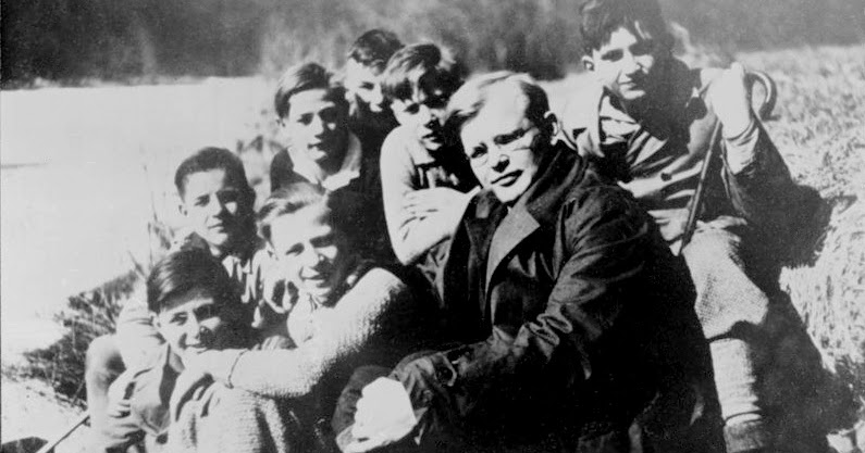 dietrich bonhoeffer the man who stood as a light in germany Bonhoeffer was a man who understood and truly sermons that call god's people to be the salt and the light in a dark world fifth germany context of dietrich bonhoeffer can relate to our own context in the 21 st.