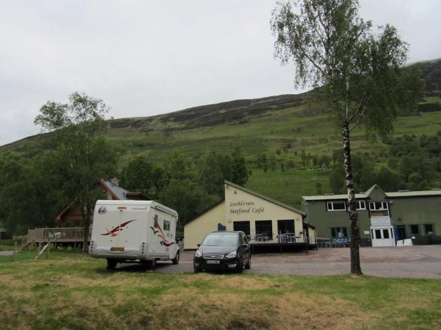 Met camper bij Loch Leven Seafood Café