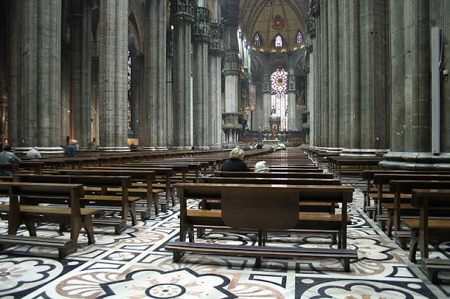 Área interna da Catedral de Milão