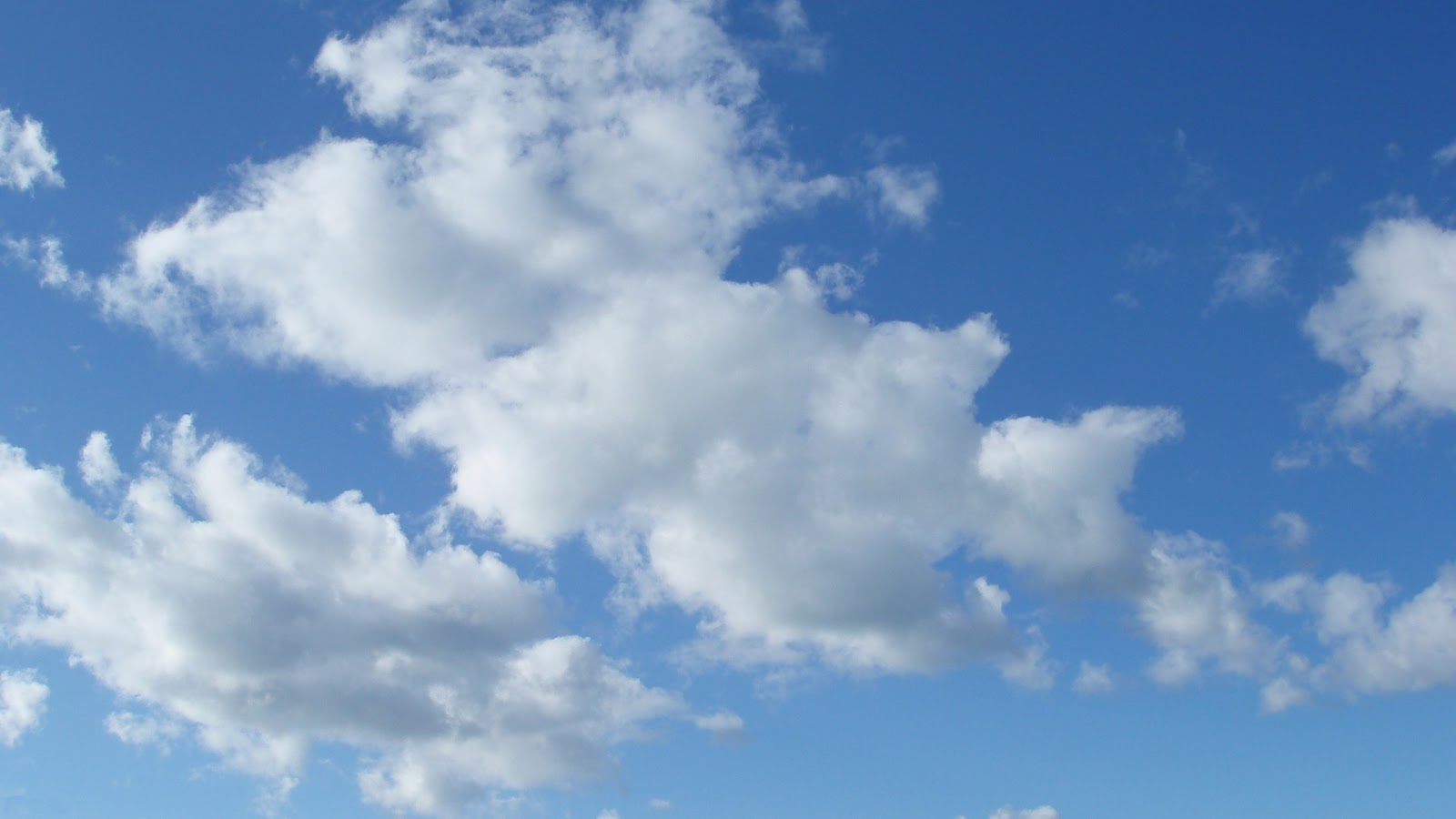 Your Wallpaper: Clouds Wallpaper