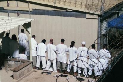Allahu Akbar, Polisi Militer Ini Menemukan Keajaiban Di Penjara Guantanamo