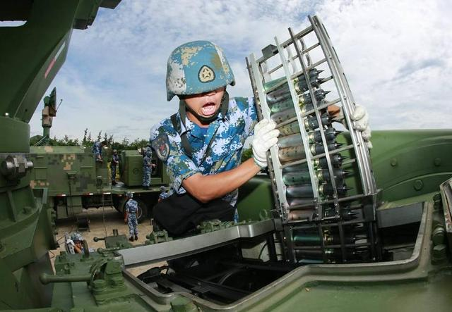 Chinese People's Liberation Army (PLA): Photos and Videos - Page 3 Chinese%2BAir%2BDefence%2Bunits%2Bin%2BSouth%2BChina%2BSea%2B2