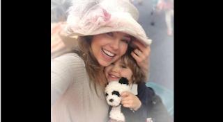 Thalía muestra a su hijo en las redes sociales