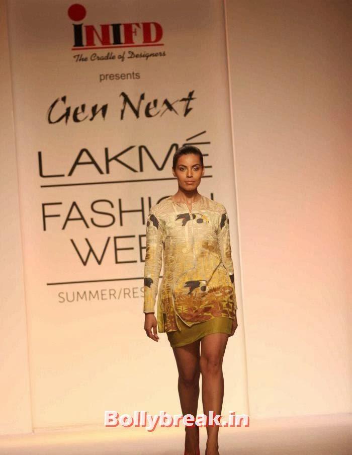 Deepti Gujral, Indian SuperModels Ramp Walk at Gen Next Show at Lakme Fashion Week 2014