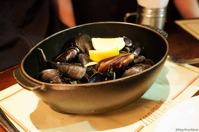 Moules Frites at Gaslight in Boston