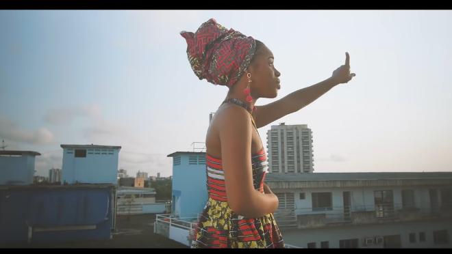 """Découvrez le dernier clip de la chanteuse Nabila """"Ça va Aller"""""""