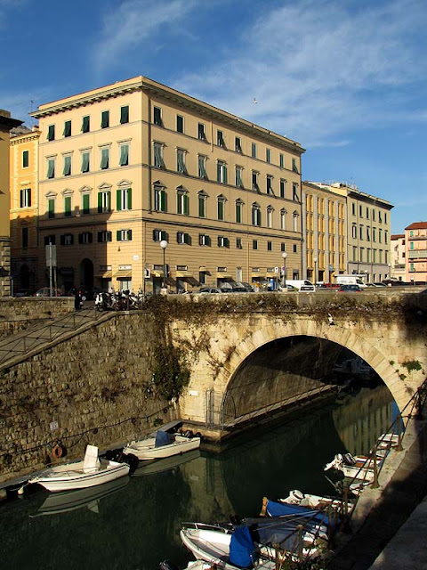 Scali San Cosimo, San Benedetto bridge seen from scali degli Olandesi, Livorno